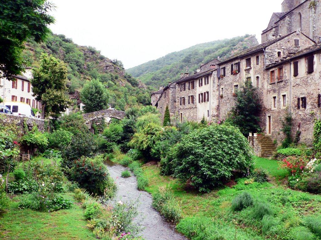 Brousse-le-Château et son chateau
