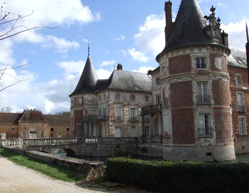 Château de Longecourt-en-Plaine