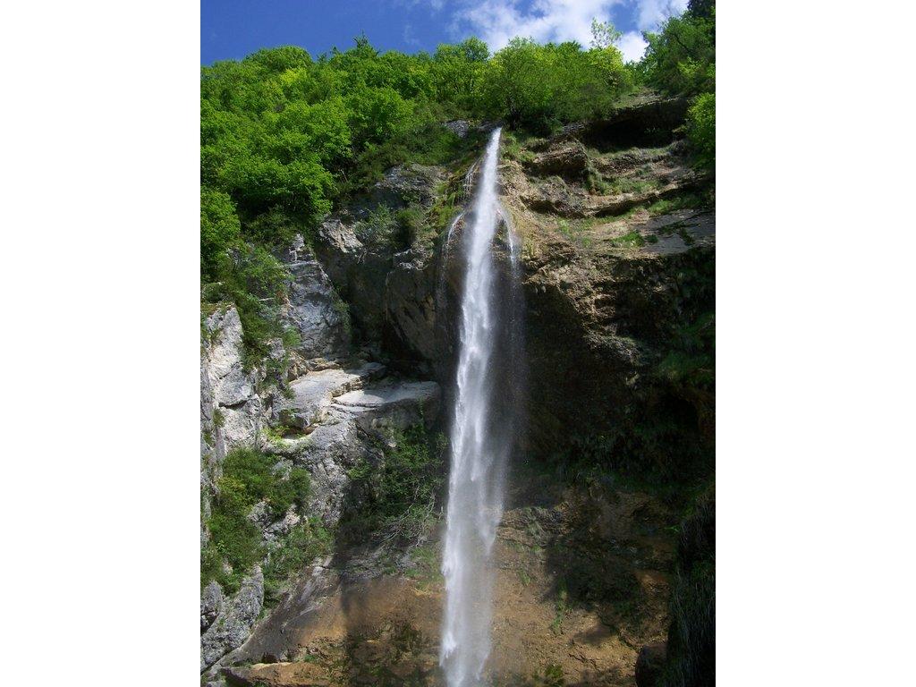 Cascade de Couz à Saint-Cassin