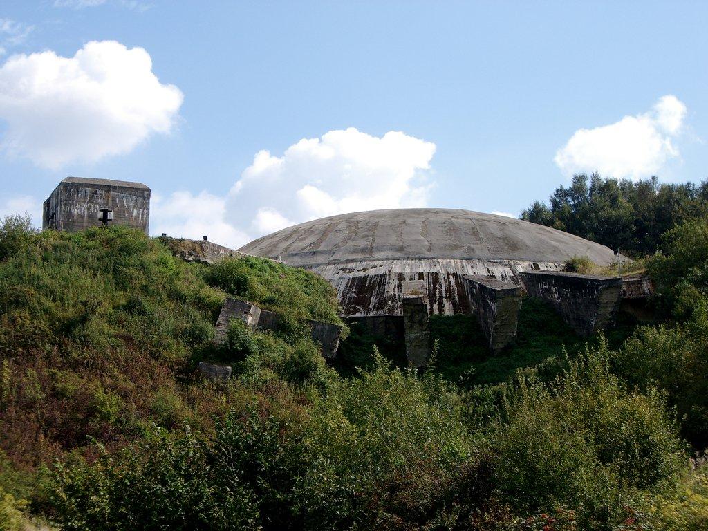 la coupole d'Helfaut, bunker de la Seconde Guerre mondiale