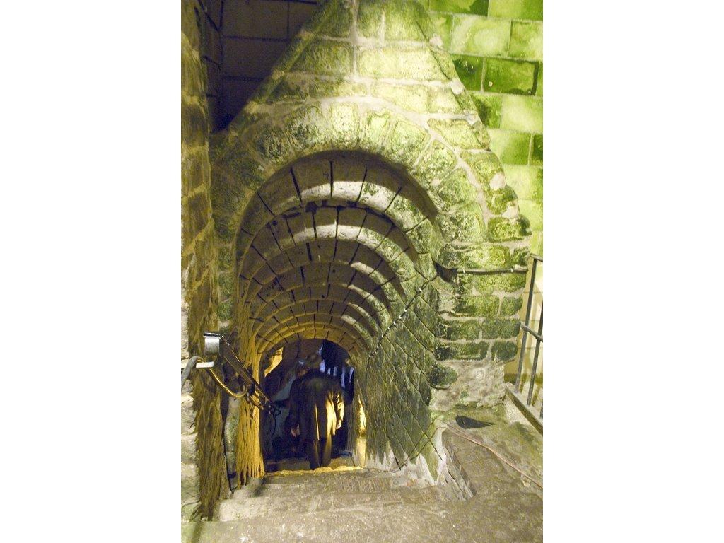 Les Boves sous la place d'Arras - Histoire souterraine d'Arras