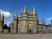 Le Château de Vitré - L'entrée principale et le Châtelet