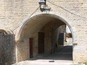 Château-Chalon - porte de l'abbaye