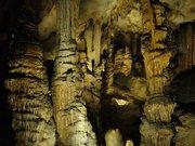 Grotte de Limousis pillars