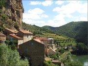 Vue sur le village de Peyre et sur le Tarn