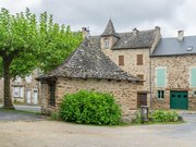 Weigh houses in Sauveterre-de-R
