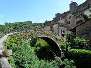Brousse le Chateau Village