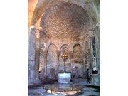 Venasque baptistry (1)