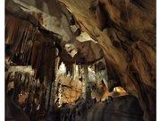 Dans le ventre des gorges de l'Ardèche, la grotte de Saint Marcel