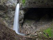 La Grotte et la Cascade de Seythenex