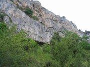 L'entrée de la grotte de Lombrives © Tous Droits Réservés  par Bernard Bost