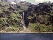 La cascade du lac d'Espingo et le lac d'Oô (GR10)