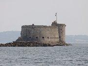 Le château du Taureau en baie de Morlaix.