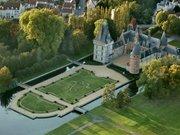Vue aérienne du château de Maintenon