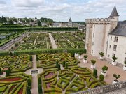 Chateau de Villandry. Vue du château et des jardins
