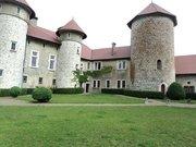 cours intérieur du chateau de Thorens