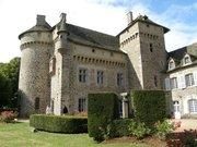 Tours et chemin de ronde du château de la Vigne