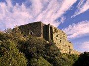 Vue depuis la crête nord-ouest sur le Château de Termes (Aude)