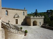 Chateau de La Barben 05