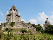Provins, ses remparts et la tour César