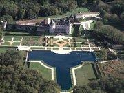 Vue aérienne du château de la Roche Courbon