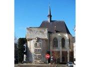 Le Palais Rihour et le monument aux morts à Lille.