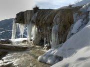 La fontaine de Réotier en hiver