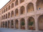 La cour intérieur de l'hospice de La Vieille Charité qui abrite le Musée de la Vieille Charité