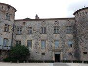 Château de Vogüé - entrée