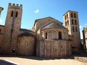 Le village et l'Abbaye de Caunes-Minervois
